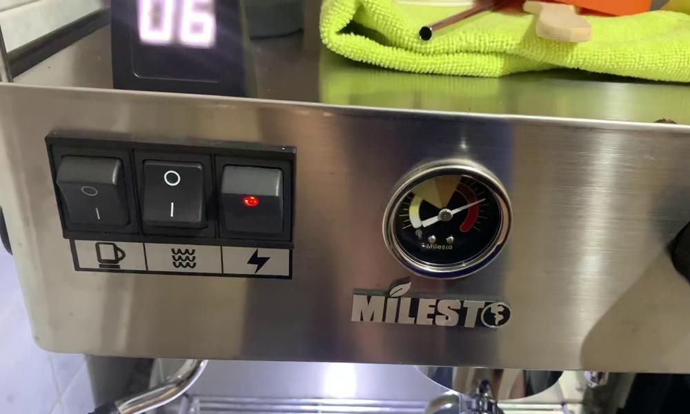 Máy pha cà phê tốt bền rẻ Milesto tại TPHCM